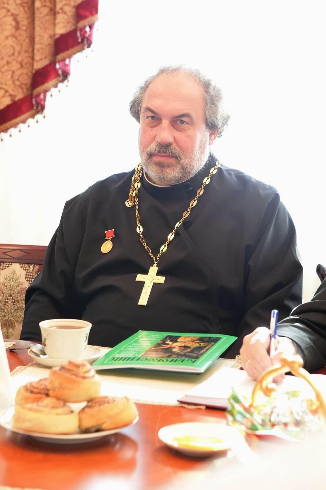 Священник Николай Толстиков